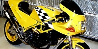 ducati sport bike sportbike checkered racing stripes